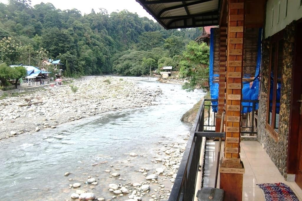River View Room_Group/Family - Bukit Lawang - Bed & Breakfast