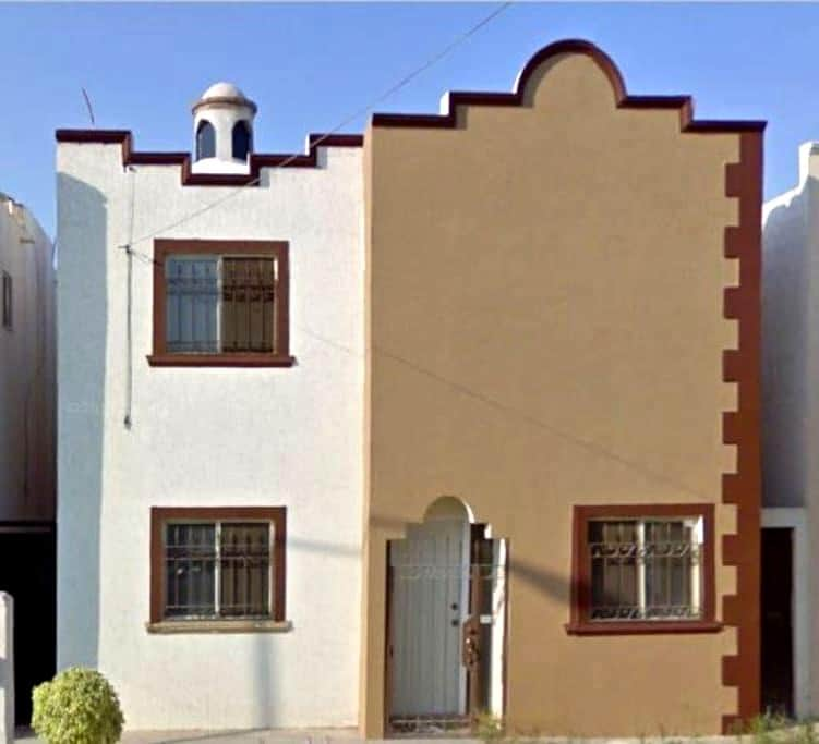 Cómoda habitación en zona céntrica - Torreón - Casa