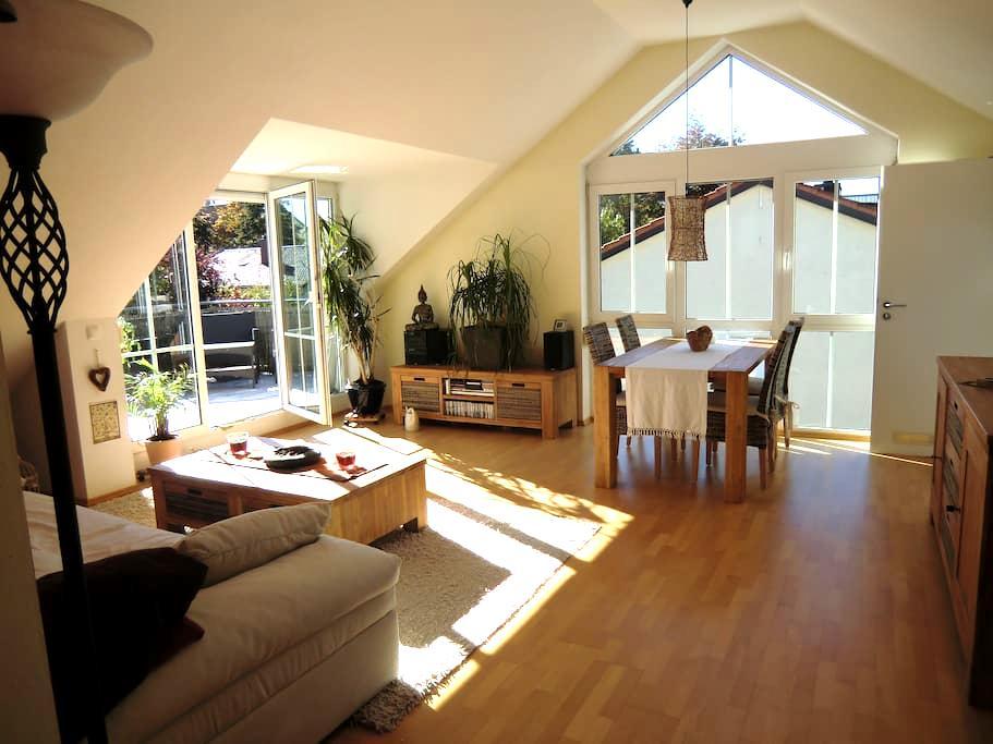 Wunderschöne Dachterrassenwohnung - Haar - Apartament