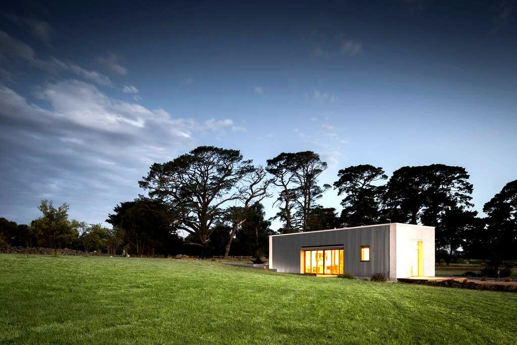 Strawbale house in the country - Kyneton