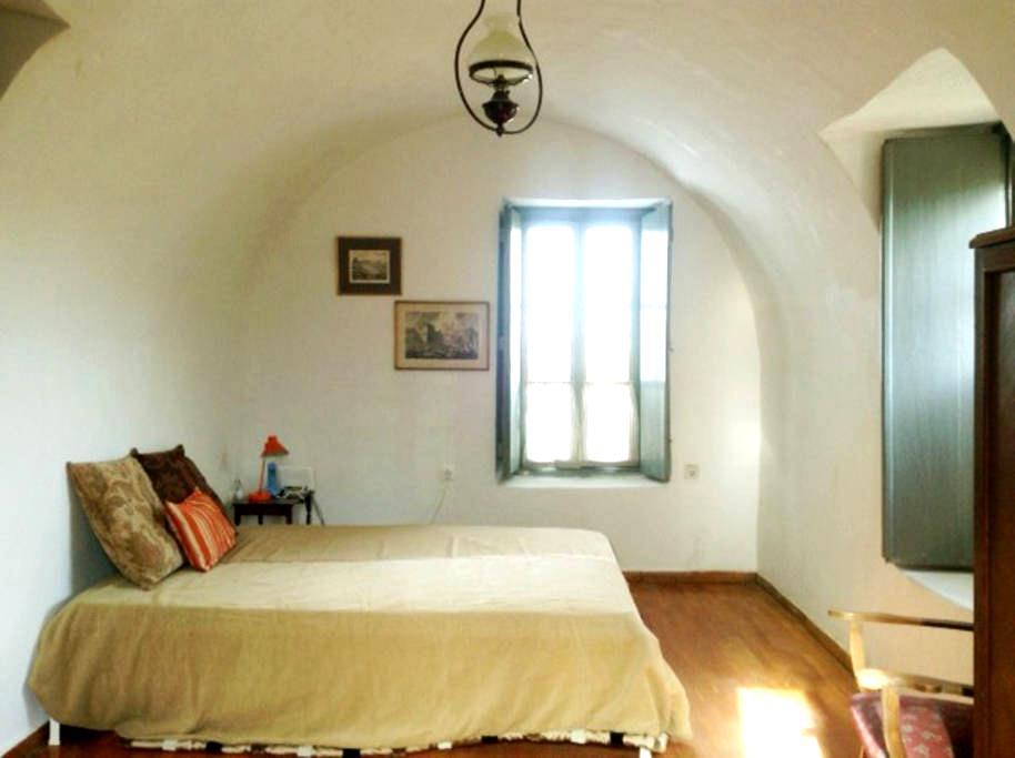 Writer's retreat - Magoula - House