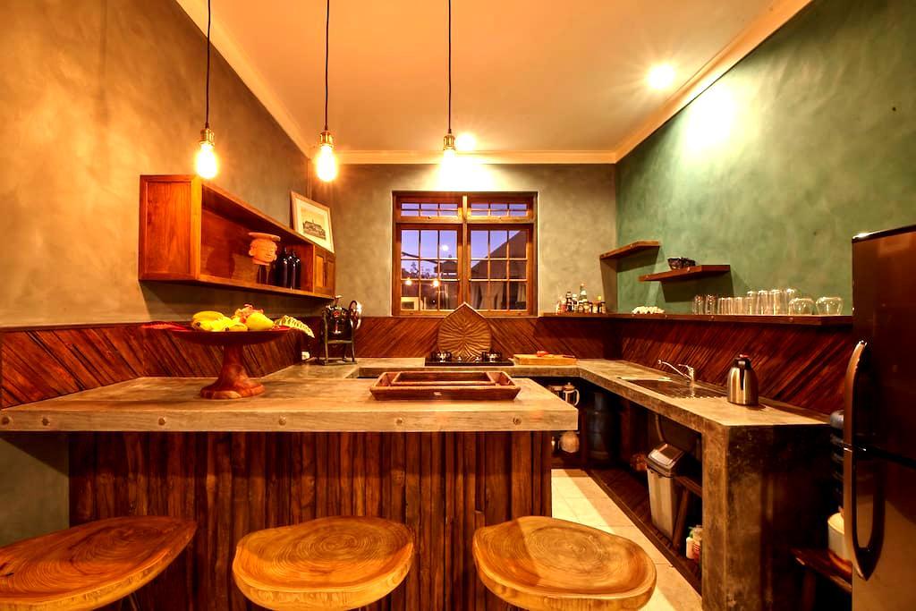 Stylish & spacious living in Sanur's main street - Denpasar Selatan - Apartemen