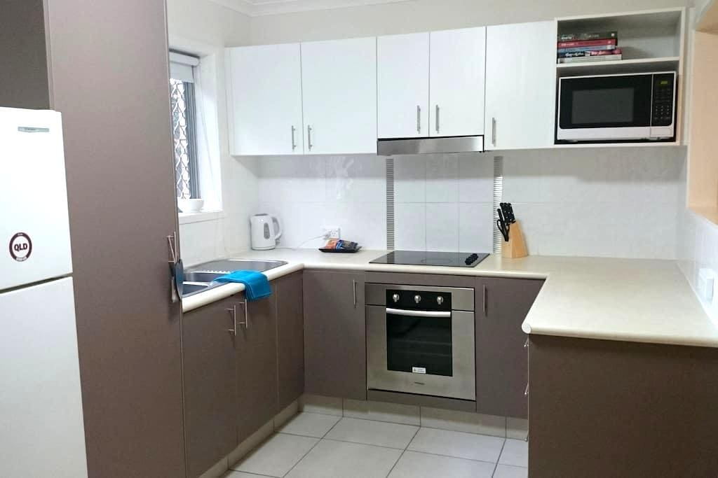 Great position in Palm Beach 2 bed unit. - Palm Beach - Lejlighed
