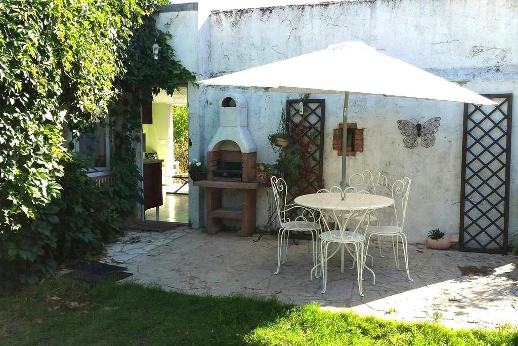 Charmant studio, Maisonnnette tout confort - Saint-Père-sur-Loire - Andre