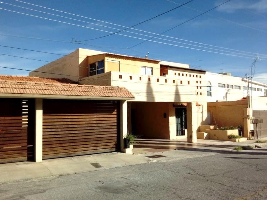 Cuarto Centrico zona residencial E - Chihuahua - Casa
