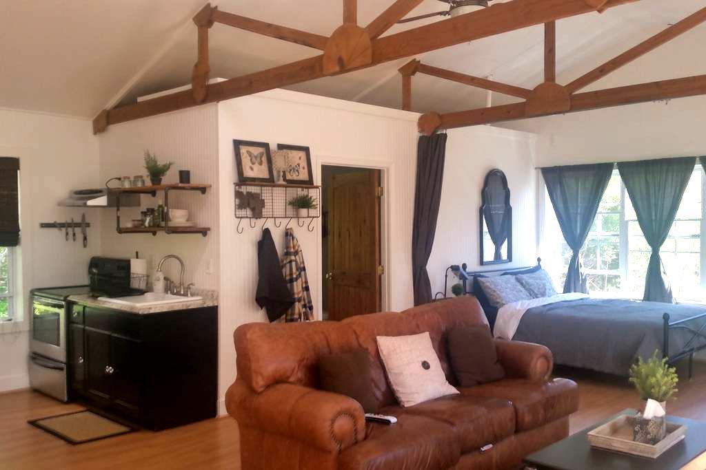 The Barn Loft @ Slick Rock Farms - Hendersonville