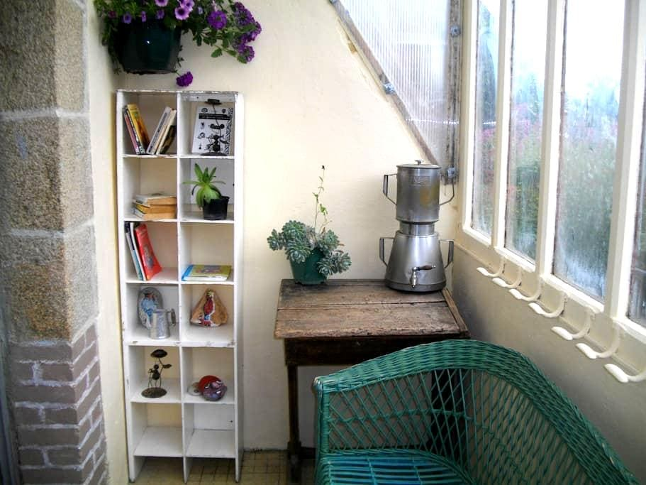 gîte et jardinet à 6km de la mer - Camlez - Casa