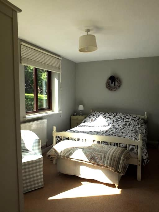 Self contained apartment annexed to village house - Abbotsley - アパート