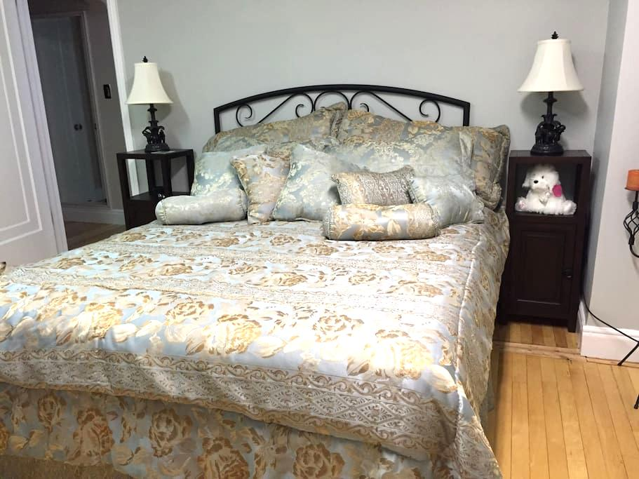 Room in center town home - Cornwall - Rumah