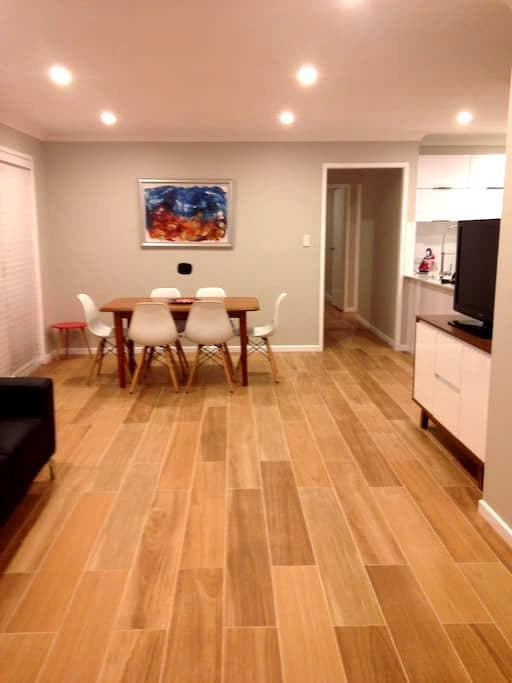 Sophisticated North Pearl Estate - Umina Beach - Villa