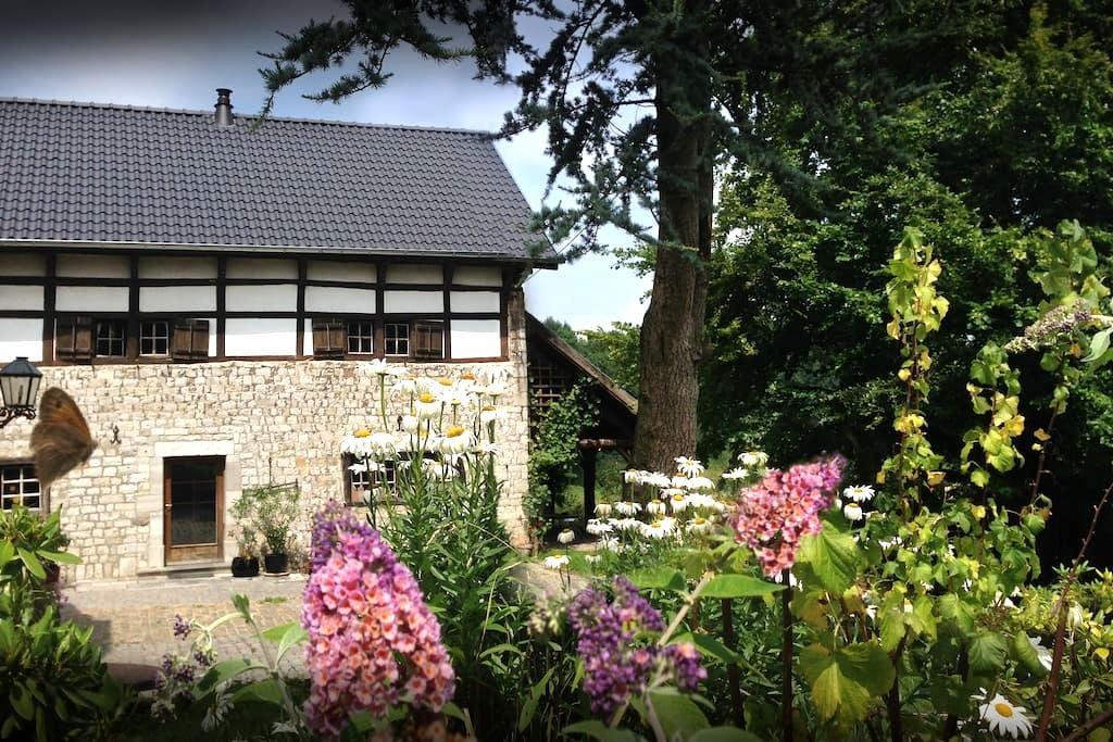 Charming historic Farmhouse, 2-6 guests - Lontzen - Dom