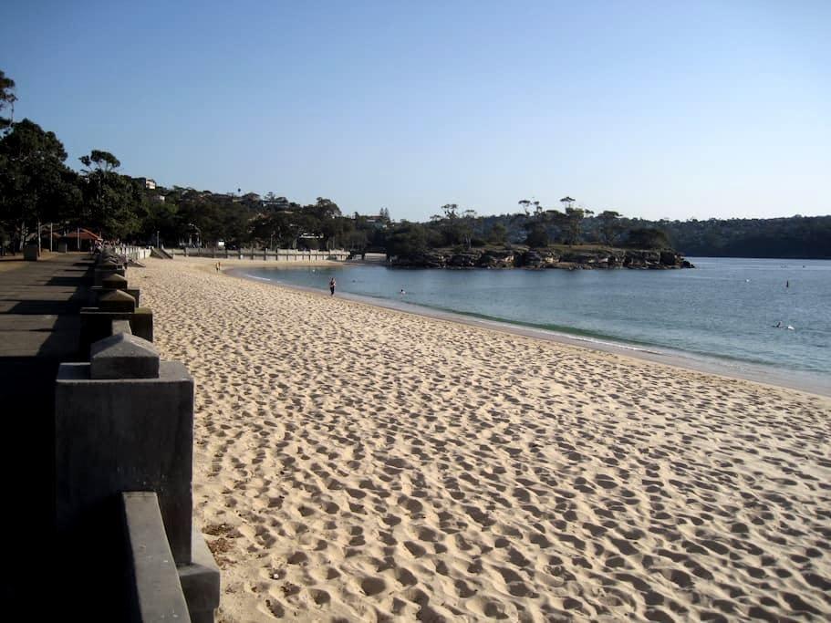 Beach Cottage at Balmoral Beach - Location! - Mosman