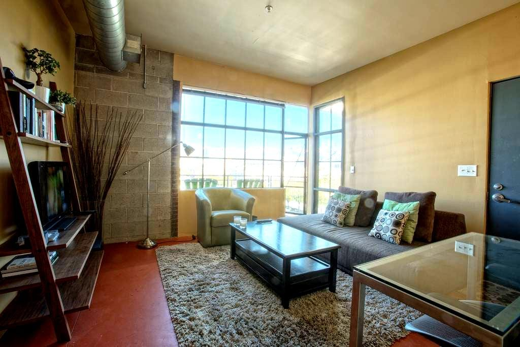 Loft Space Downtown | Great View | Fiber Internet - Salt Lake City - Appartement