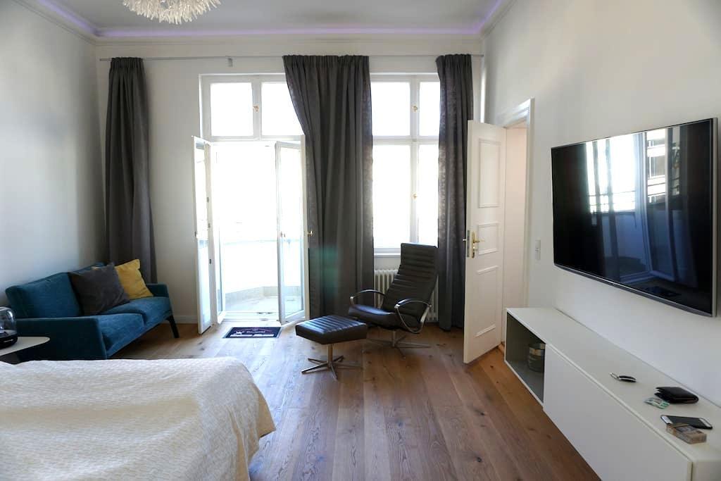 KuDamm Nah-Charmantes Altbau Appartment City West - Berlín - Pis
