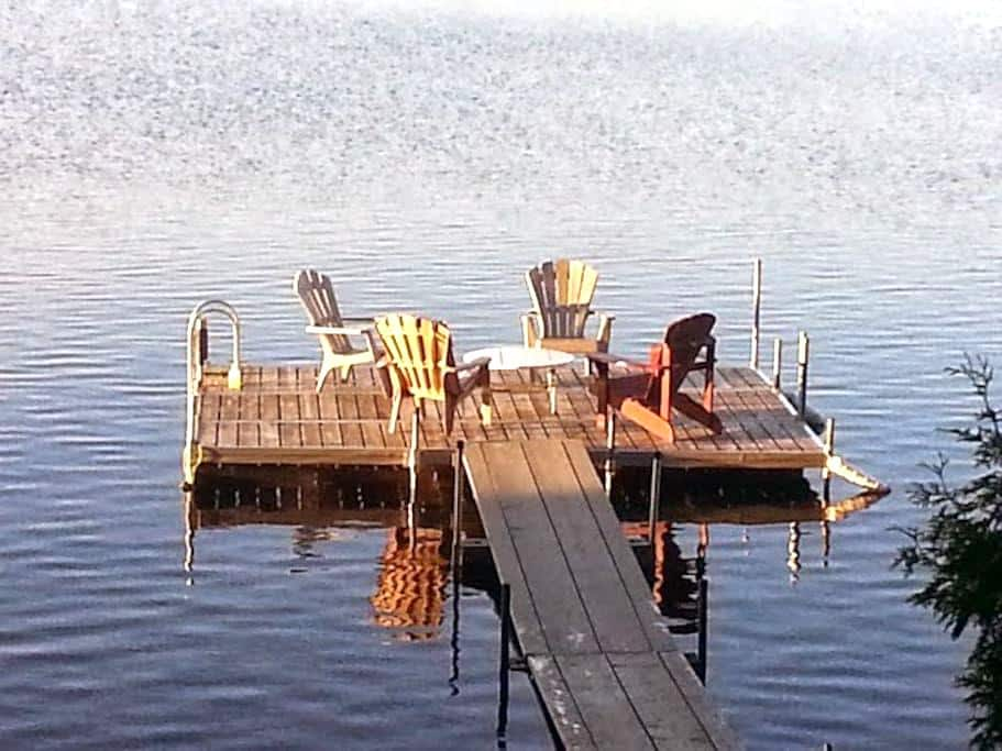 Waterfront cabin with great views. - Restoule