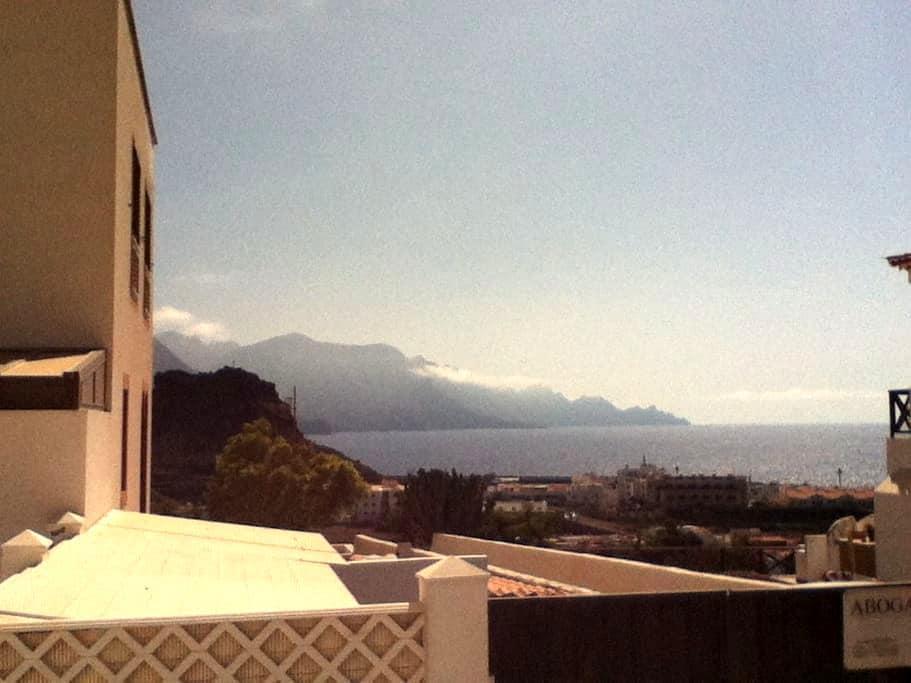 Casa en Agaete, muy cerca del mar. - Agaete - Appartement