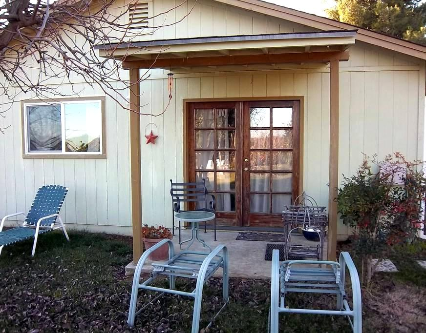 Farm Fresh - Quiet Country Stay - Olivehurst - Guesthouse