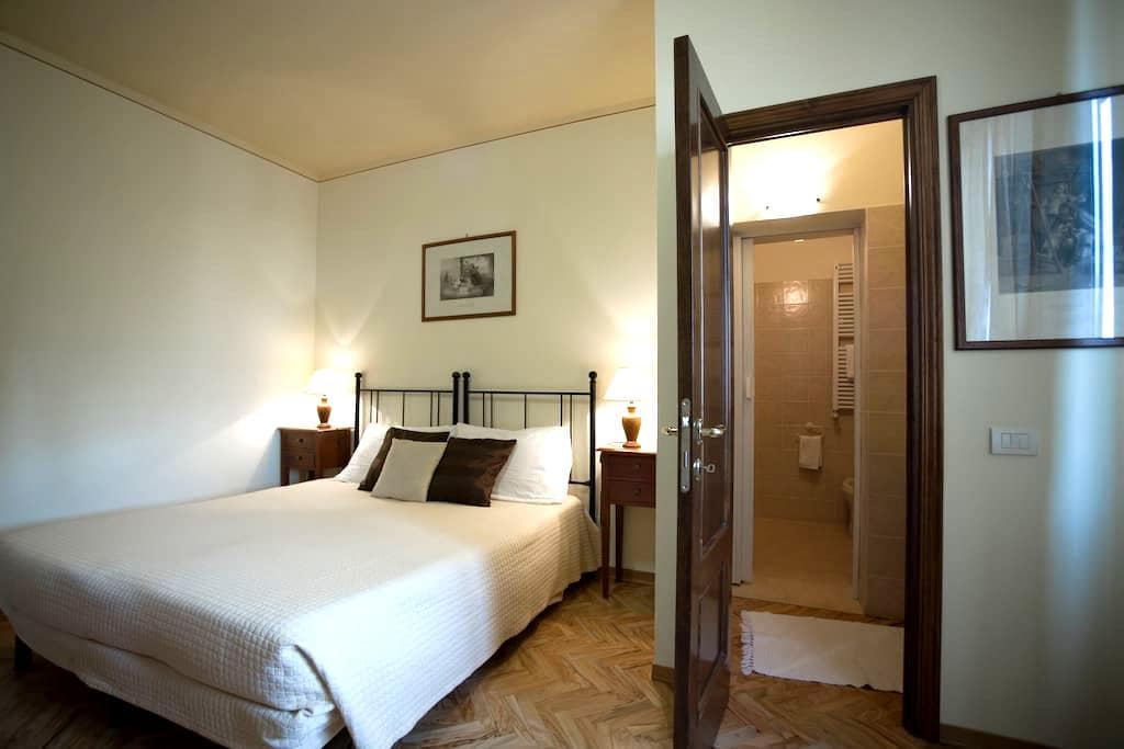 Superior double room B&B Gli Archi  - Siena - Bed & Breakfast