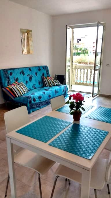 Vista Montagna beach side apartment - Caulonia Marina - Lägenhet