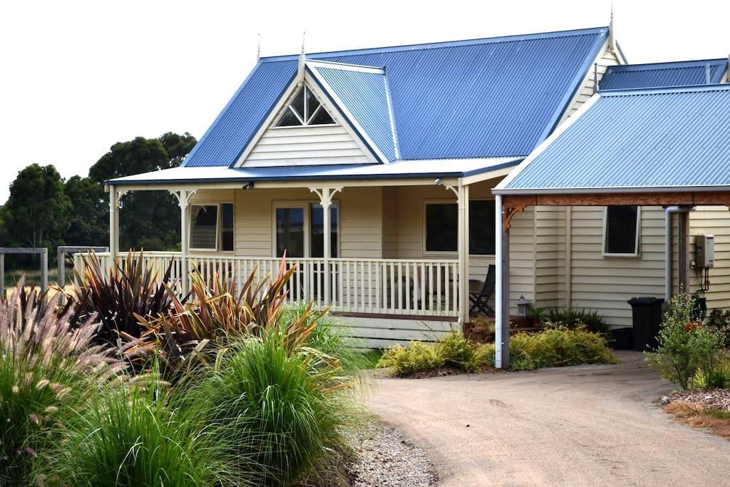 Somers Peninsula Retreat, - Somers - Bed & Breakfast