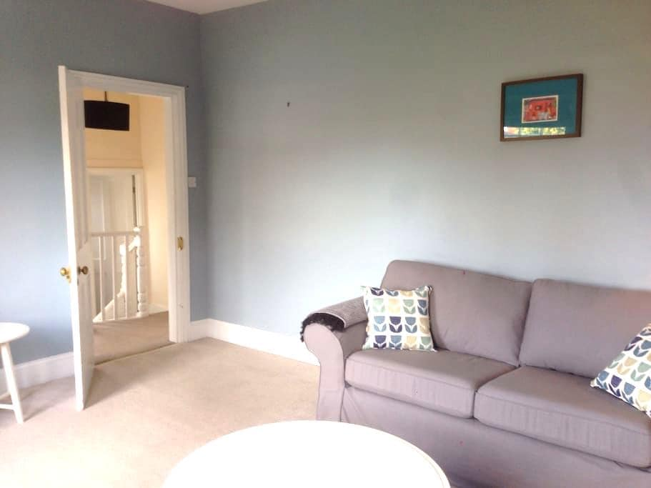 2 bed Victorian first floor flat - Henley-on-Thames