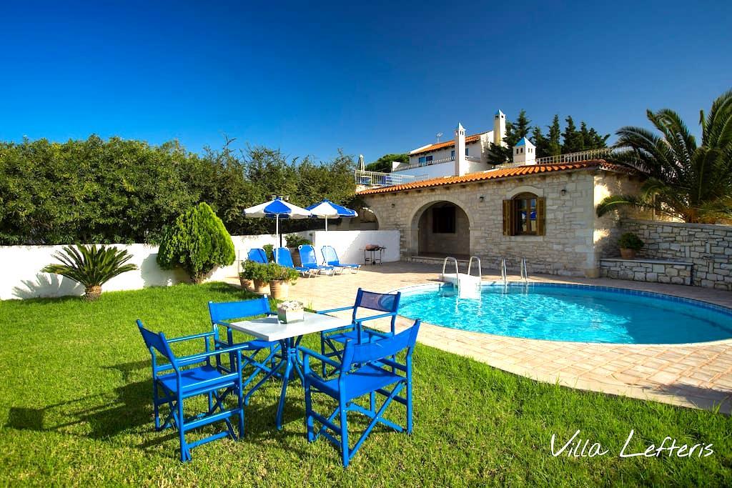 Stone Villa with Sea Views & Pool - Tria Monastiria - 別荘