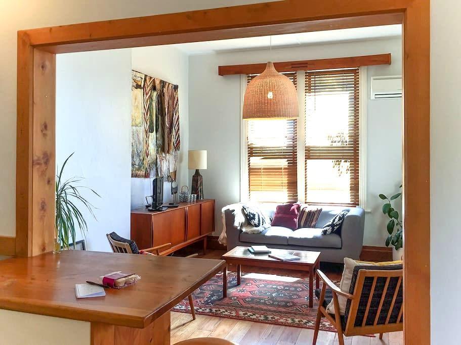 Sunny Villa Apartment in the Central City - Nelson - Lägenhet