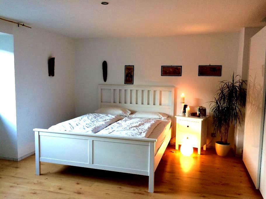 80 qm Apartment in Ehrenfeld - Køln - Leilighet