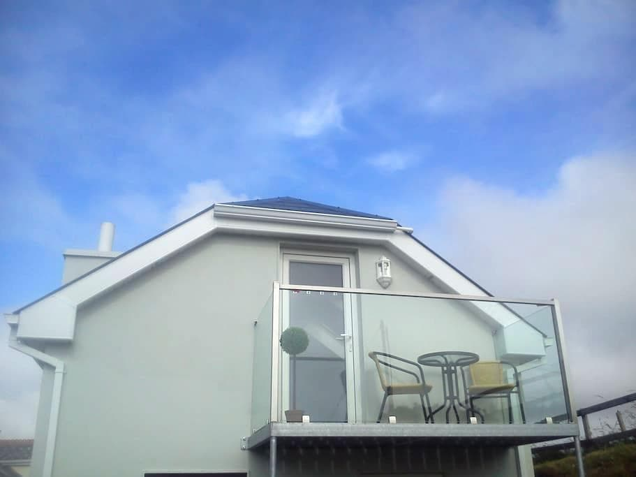 Cosy studio just 1k from Lahinch - Lahinch - Apartment