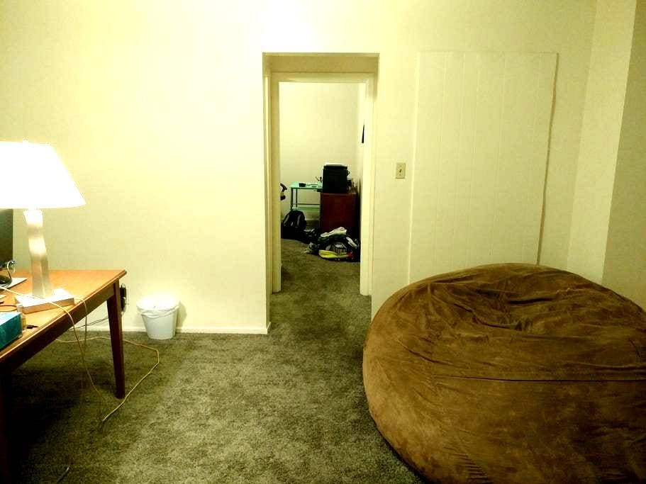Apartment right next to the airport and UNLV - Las Vegas - Pis