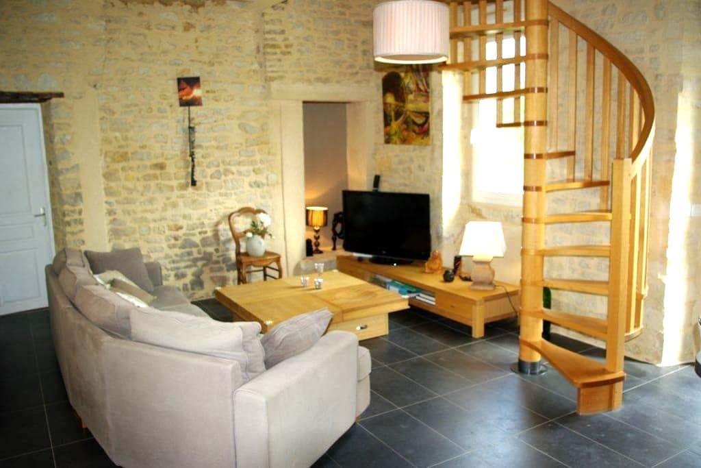 Maison à la campagne 2 chambres  - Bayeux - Huis