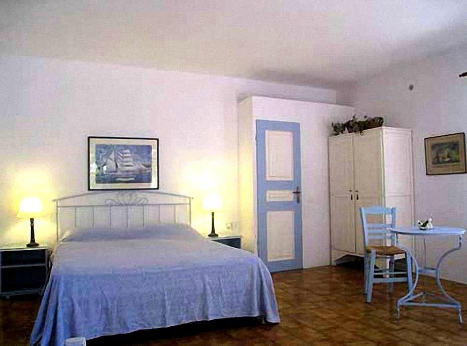 Janet Art Pension Romantic Room - Fiskardo