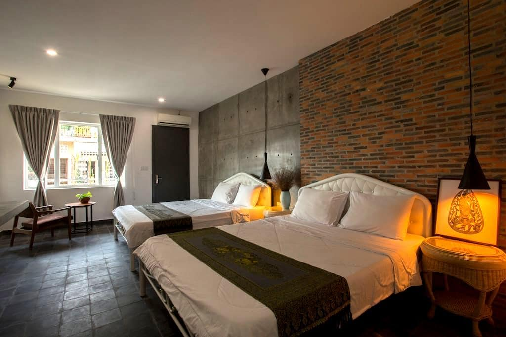 Most Recommended by group traveler - Phnom Penh - Hostel
