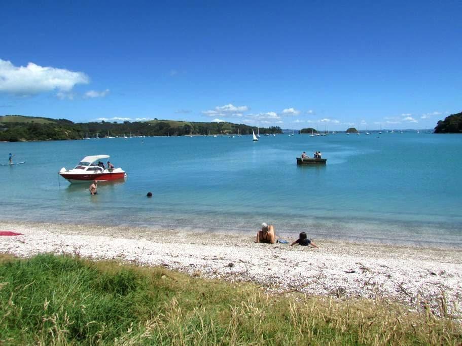 HOME AT THE BEACHSIDE - Auckland - Dům