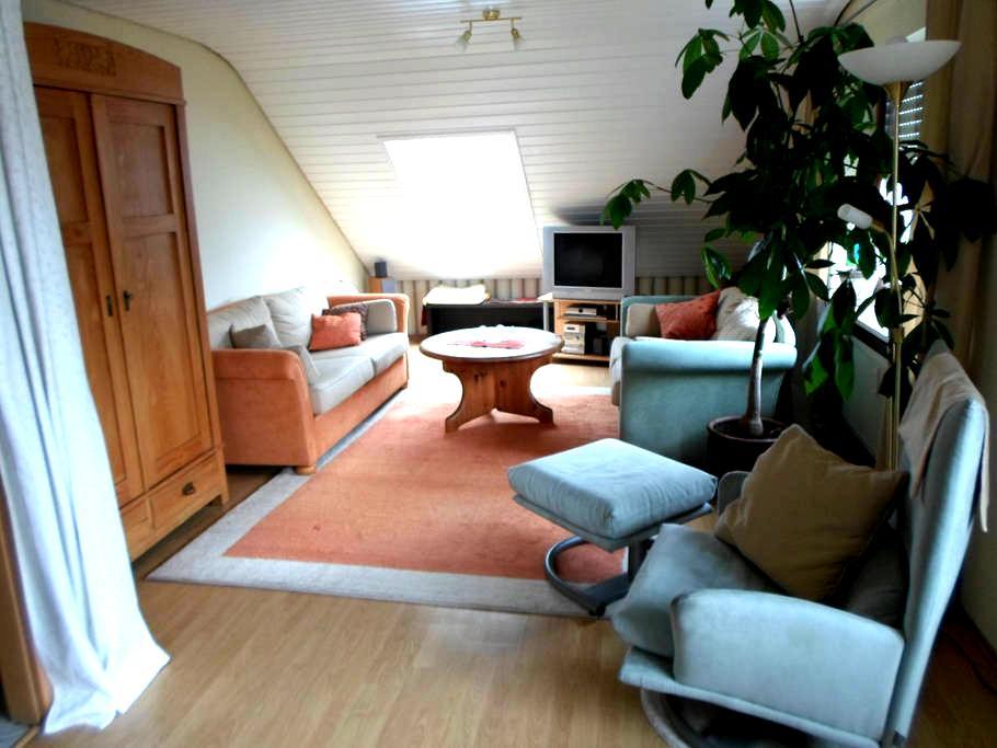 Sehr ruhige 3-Zimmer DG- Wohnung - Mühlhausen-Ehingen