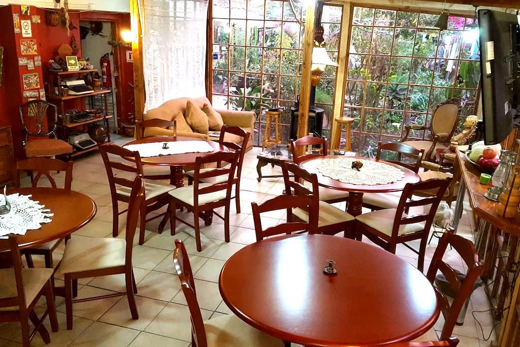 Ambiente Familiar en Nuestro Hostal - Vicuña - Bed & Breakfast