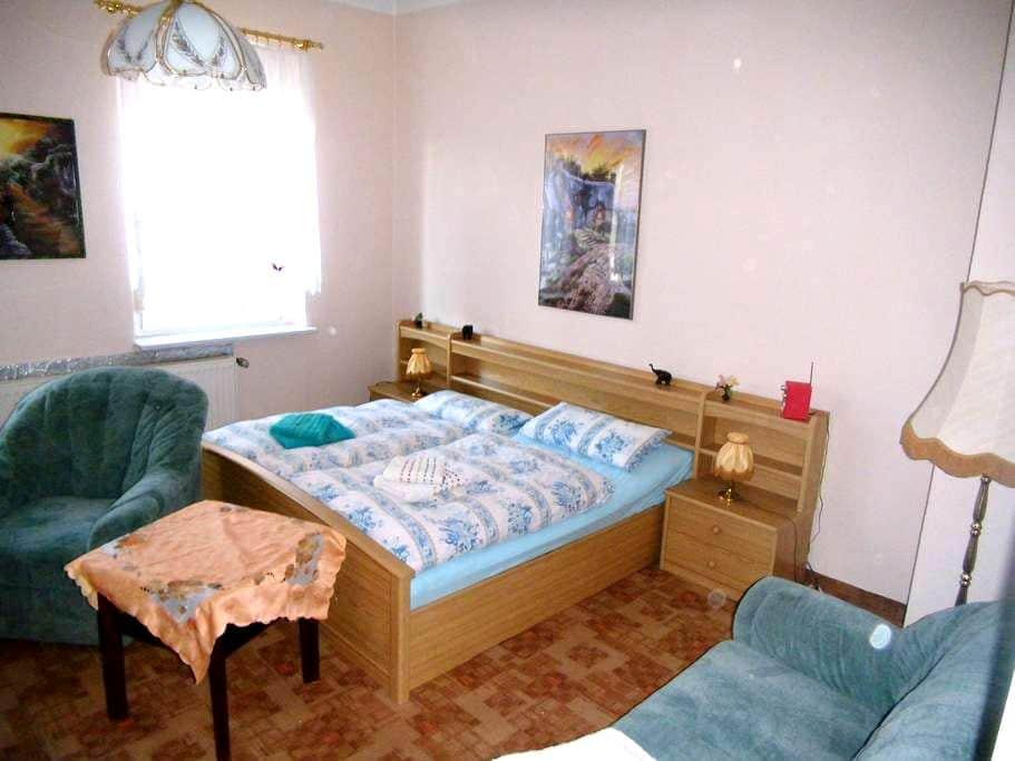 Ferienzimmer im Neuseenland - Borna - Apartment