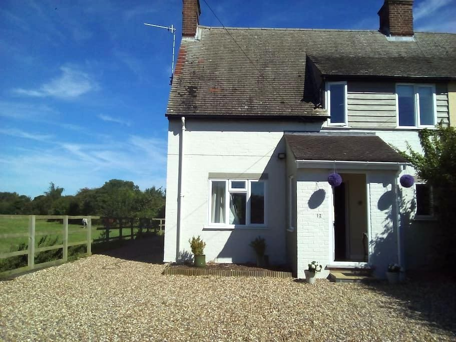 3 Double Bedroom Cambridge  Cottage by Fields - Grantchester - Appartement