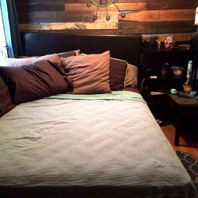 Cozy,Unique & Centrally located - Providence - Huoneisto