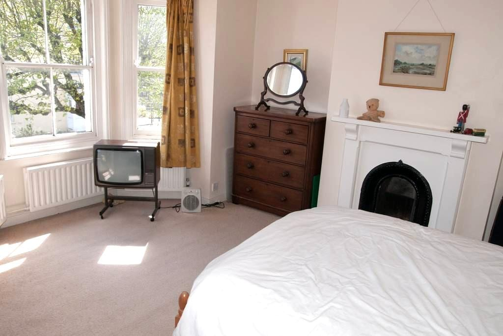 Double Room Dorchester - Dorchester - Talo