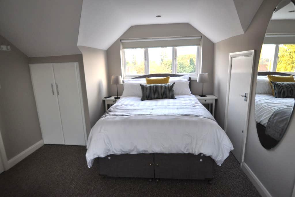 Room 11 PURE Serviced Accommodation - Hull - Rumah Tamu