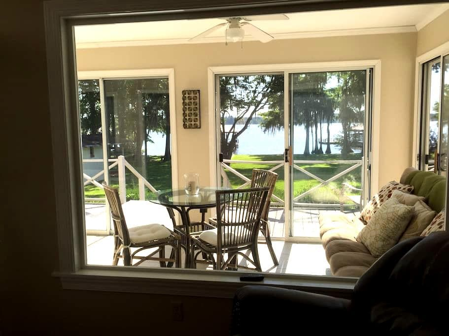 Getaway home on Lake Blackshear! - Cobb - Hus