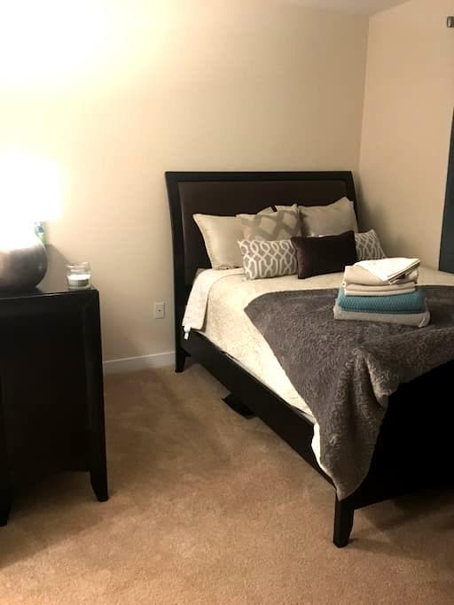 Necessities Corner - Virginia Beach - Appartement