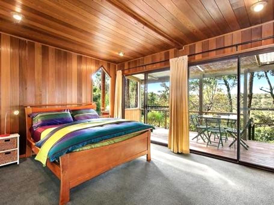 Cabin on bush garden acreage - Bullaburra