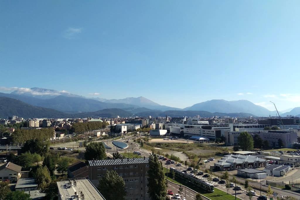 Petit appartement cosy avec une vue imprenable - Grenoble - Condomínio