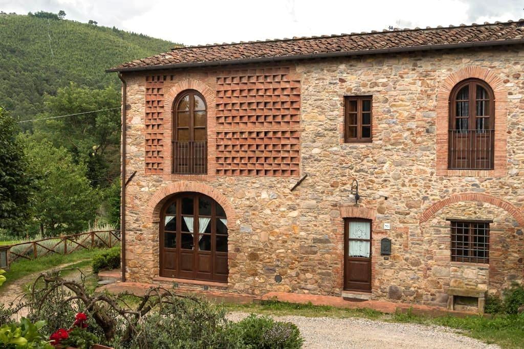 Villa Pergolone - Country House - Capannori