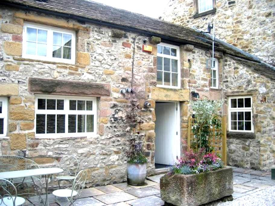 Coulsden Cottage, Bakewell (Centre) - Bakewell - House