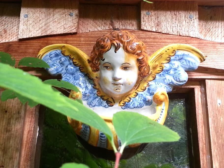 Hummingbird Haven Cottage; Yoga and Dance Studio - Mansons Landing - Hus