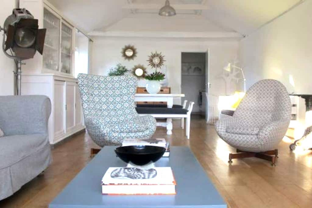 Eclectic retreat near Newmarket - Woodditton - Apartemen