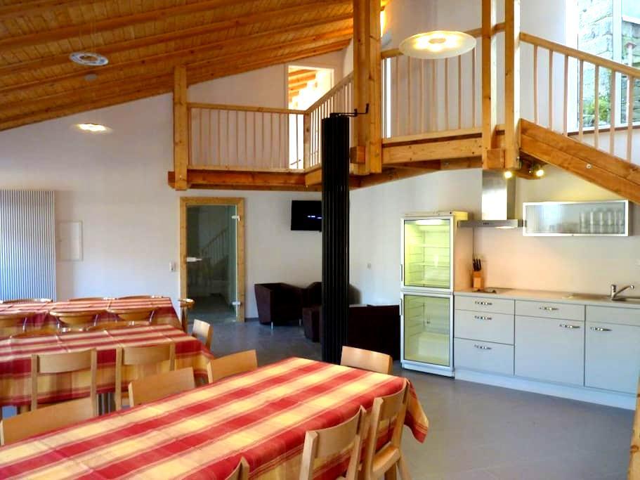 Eifel Ferienwohnung bis 10 Gäste - nähe Luxemburg - Eifelkreis Bitburg-Prüm - Apartament